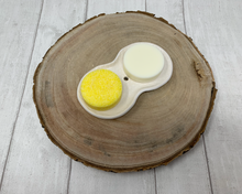 Load image into Gallery viewer, Handmade Figure of Eight Soap Dish - White Textured - Made in the UK