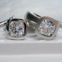 Load image into Gallery viewer, Cushion Cut Moissanite
