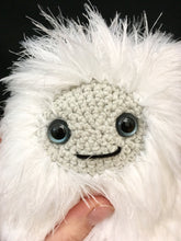 Load image into Gallery viewer, yetiamigurumi7