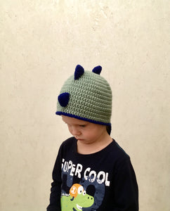 Dino hat for children with spikes