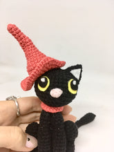 Load image into Gallery viewer, Amigurumi black cat and hat