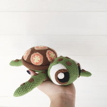 Load image into Gallery viewer, amigurumiturtle6