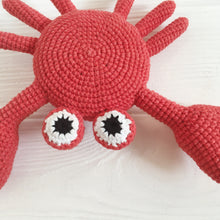 Load image into Gallery viewer, Amigurumi crab