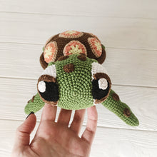 Load image into Gallery viewer, amigurumiturtle4