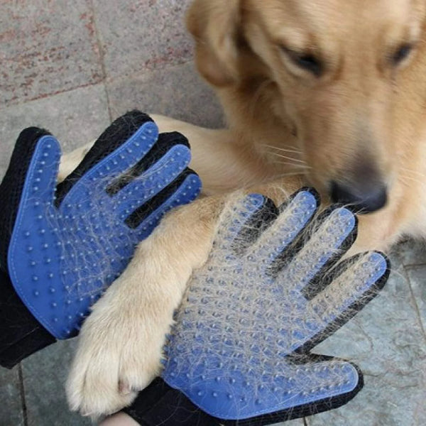 Gentle Deshedding Brush Glove by HappyPaws™