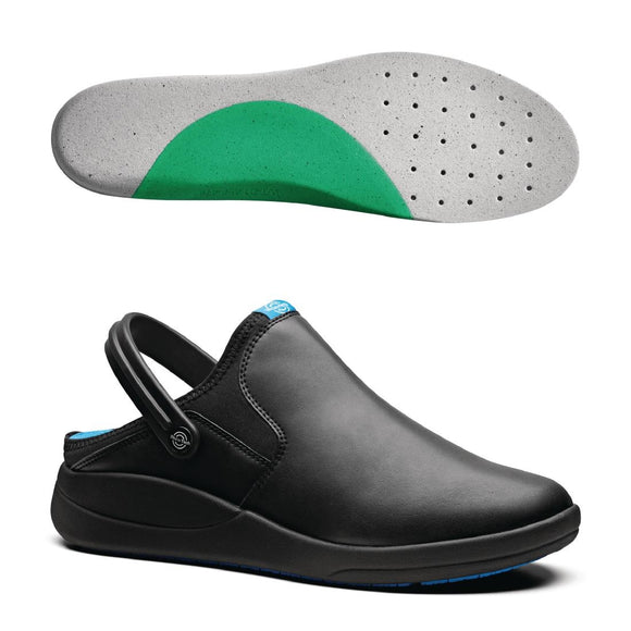 Click N Order photo of a WearerTech Refresh Clog Black with Medium Insoles Size 39-40