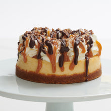 Load image into Gallery viewer, Turtle Cheesecake