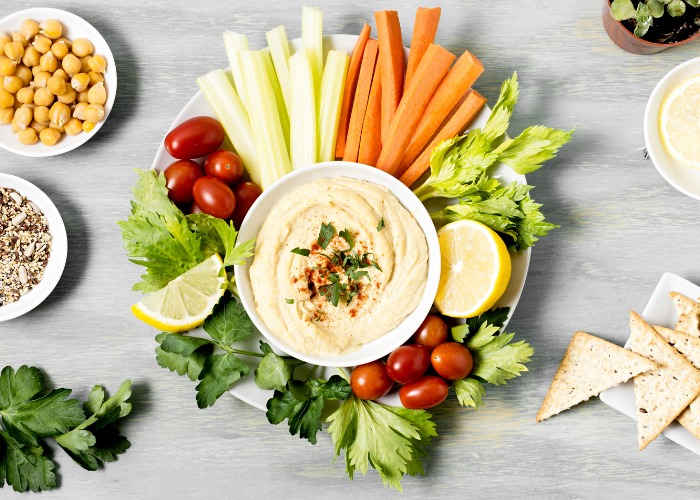 vegetable platter with hummus and vegetable sticks