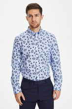 Load image into Gallery viewer, Matinique Trostol Autumn Flower Shirt