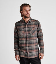 Load image into Gallery viewer, Roark - Kemp Woven Long Sleeve Flannel - Charcoal
