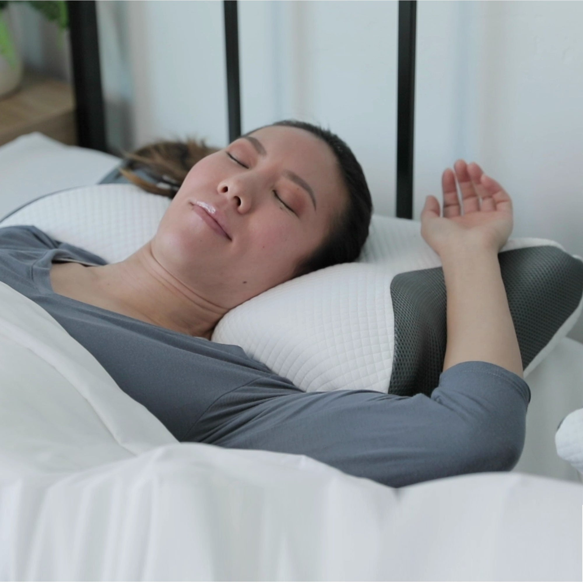 Carbon SnoreX 8 In 1 Cooling Pillow