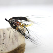 Load image into Gallery viewer, 6/0 The Dunt Dee Salmon Fly, By Davie McPhail