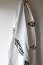Load image into Gallery viewer, Moroccan Blanket - Oyster & Black Essa Collection - Medium Cotton