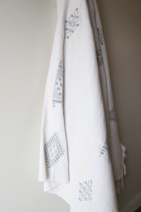 Moroccan Blanket - Oyster & Light Gray Essa Collection - Medium Cotton