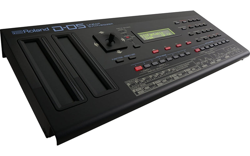 Roland D-05 Linear Synthesizer with Integrated Sequencer, Arpeggiator Bundle with 4-Pack of AA Batteries and 5-Pack of Cable Ties