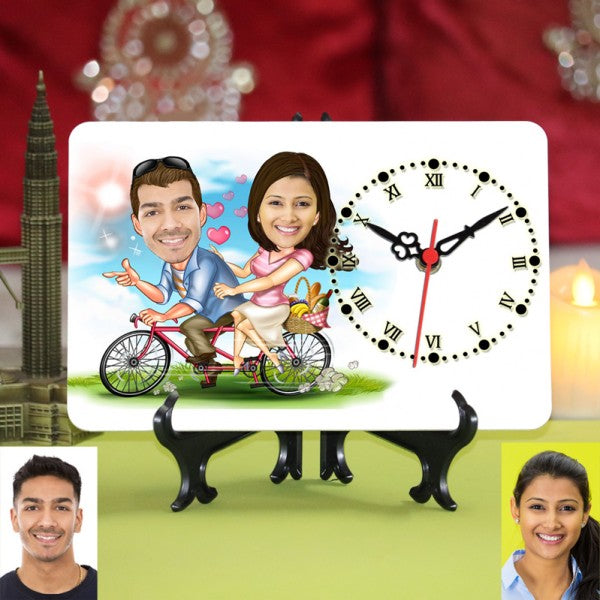 PERSONALIZED CYCLING COUPLE CARICATURE TABLE CLOCK