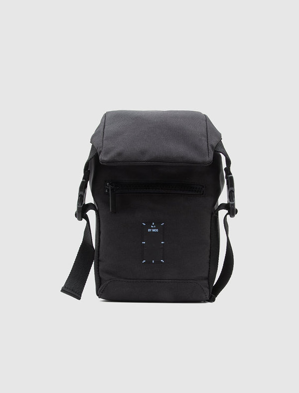 MCQ: CROSSBODY BAG [BLACK]