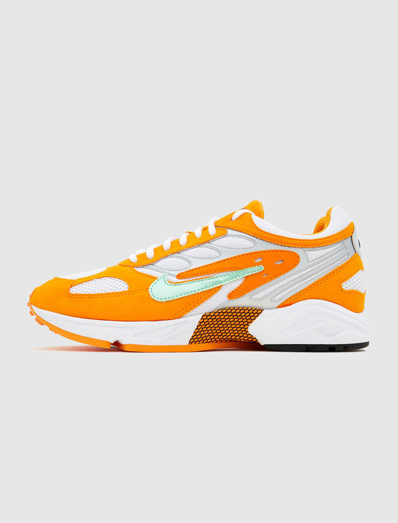 nike-air-ghost-racer-orange-1
