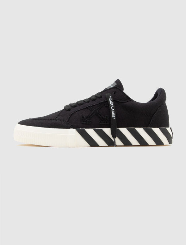 OFF-WHITE: LOW VULCANIZED SNEAKERS [BLACK]