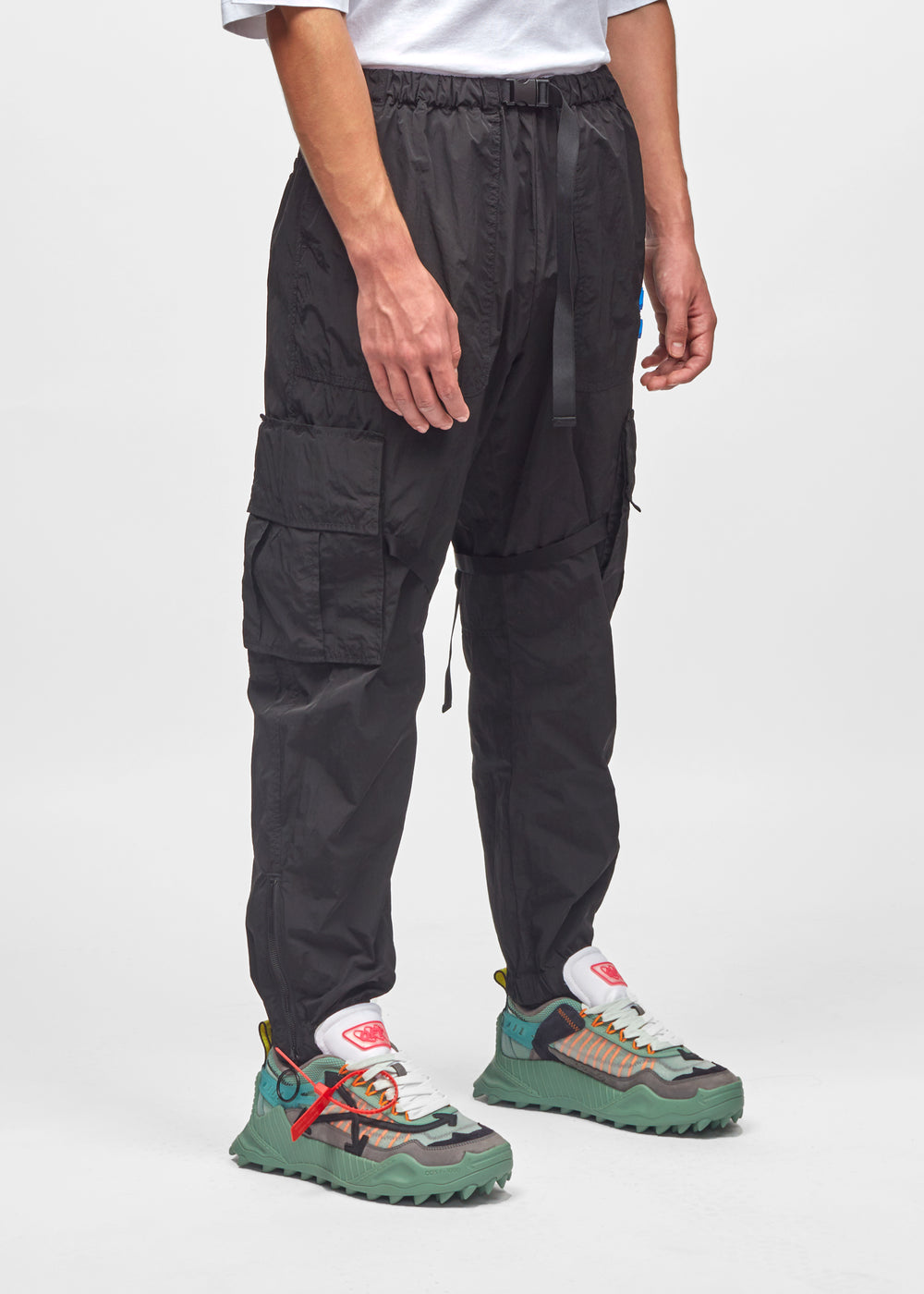parachute-cargo-pant-omcf004f19f010201001-blk-2