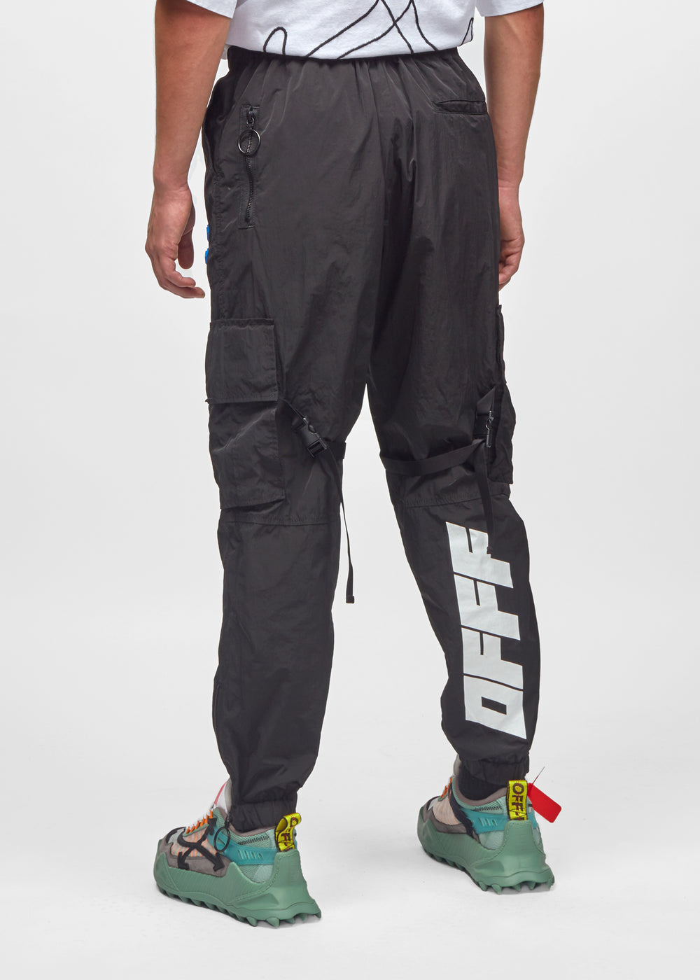 parachute-cargo-pant-omcf004f19f010201001-blk-3