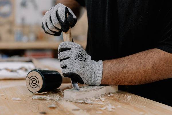 cut resistant gloves for wood carving and woodworking