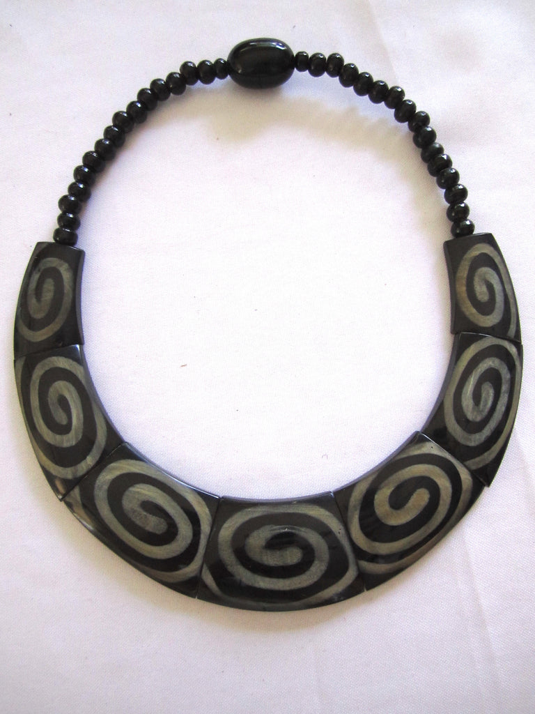 Nepal Bone + Horn Necklace Swirl