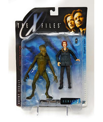 The X-Files (1998) Series 1 Agent Scully Action Figure with Alien