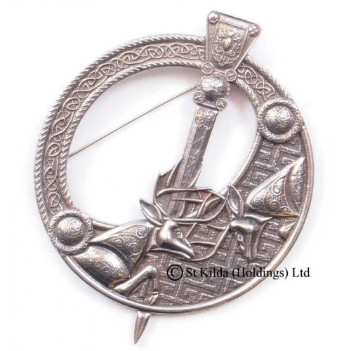"Plaid Brooch ""Fighting Stags"" Penannular - Celtic Corner / Scottish Treasures"