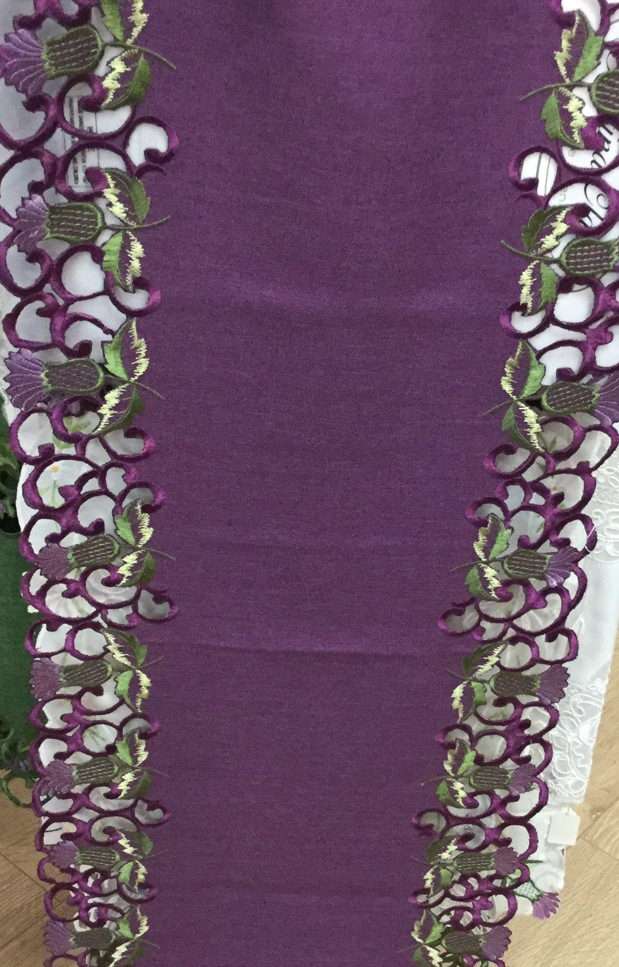 Thistle Table Runners