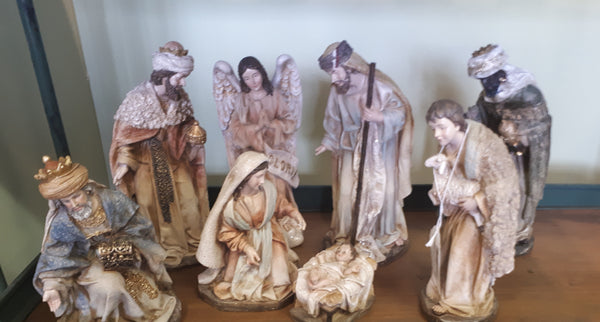 "10"" S/8 NATIVITY SET"