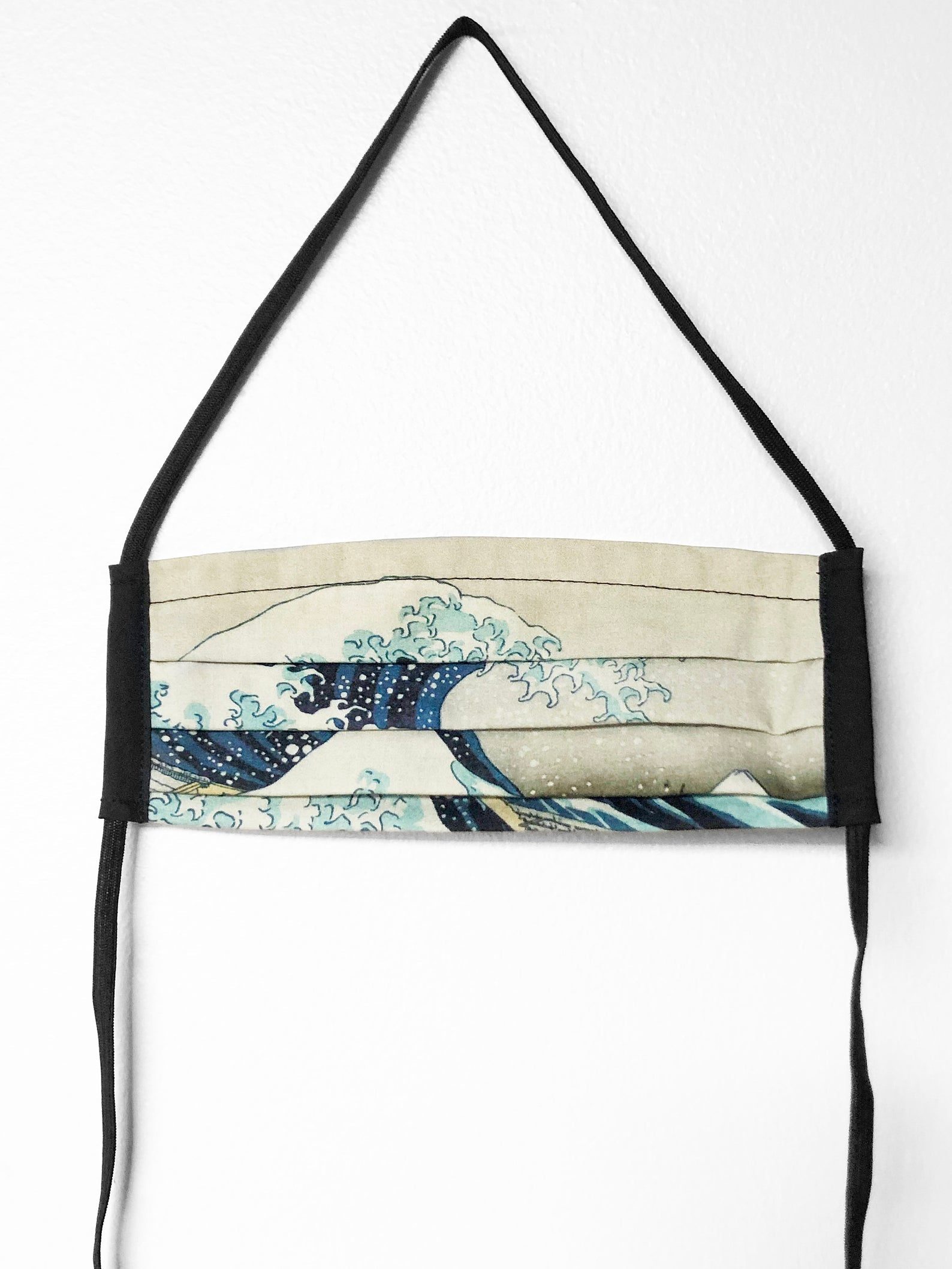 the great wave off kanagawa - pleated face mask // face covering - 2 cotton layers - reusable & washable - katsushika hokusai, 1829–32
