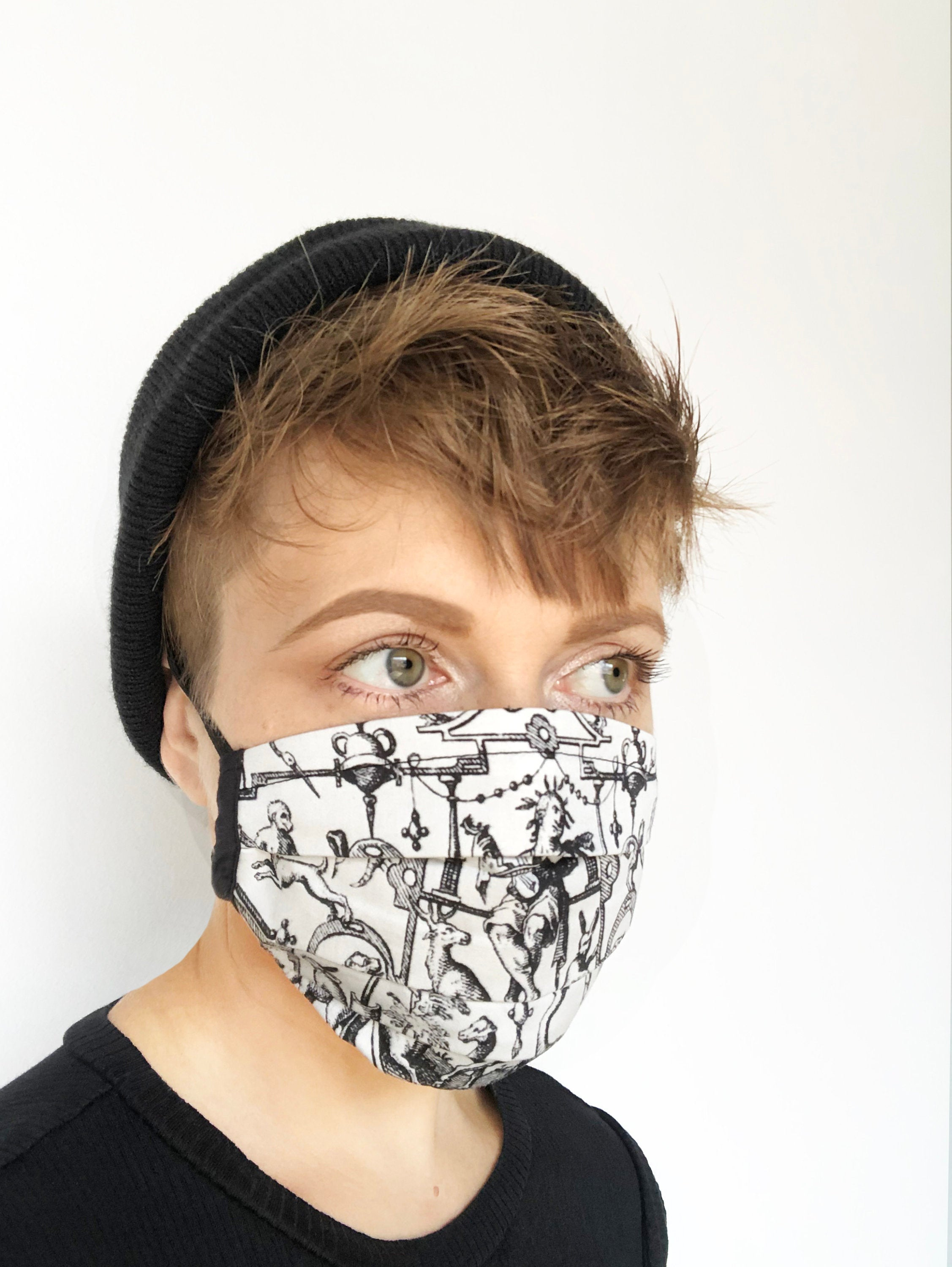 French animal engraving - pleated face mask // face covering - 2 cotton layers - reusable, washable - 1700s