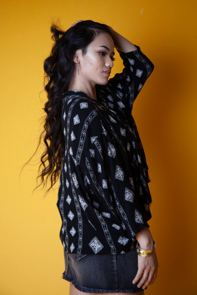 Cropped Black and White Patterned Shawl