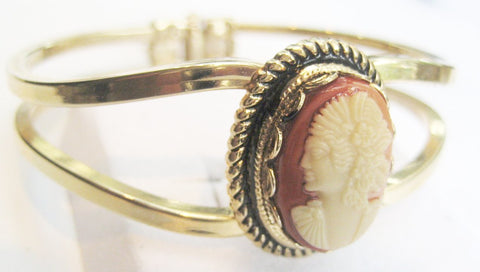 1940s Cameo in Modern Hinged Cuff