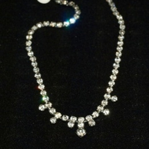 Exquisite vintage rhinestone choker necklace