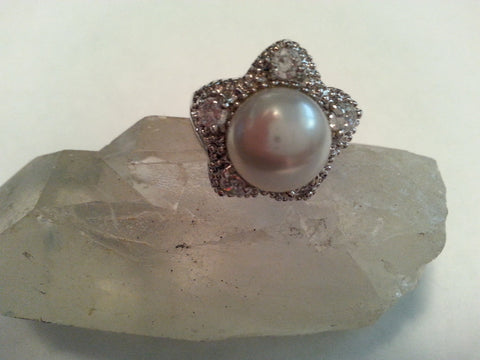 White Shell Pearl + White Topaz Star Ring - Size 6
