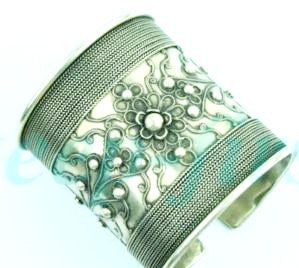 Tribal Metal Floral Leaf Cuff