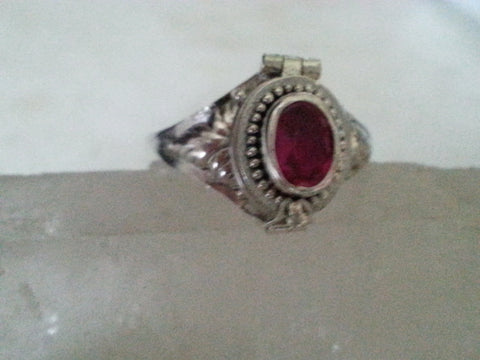Garnet Poison Ring - Size 8