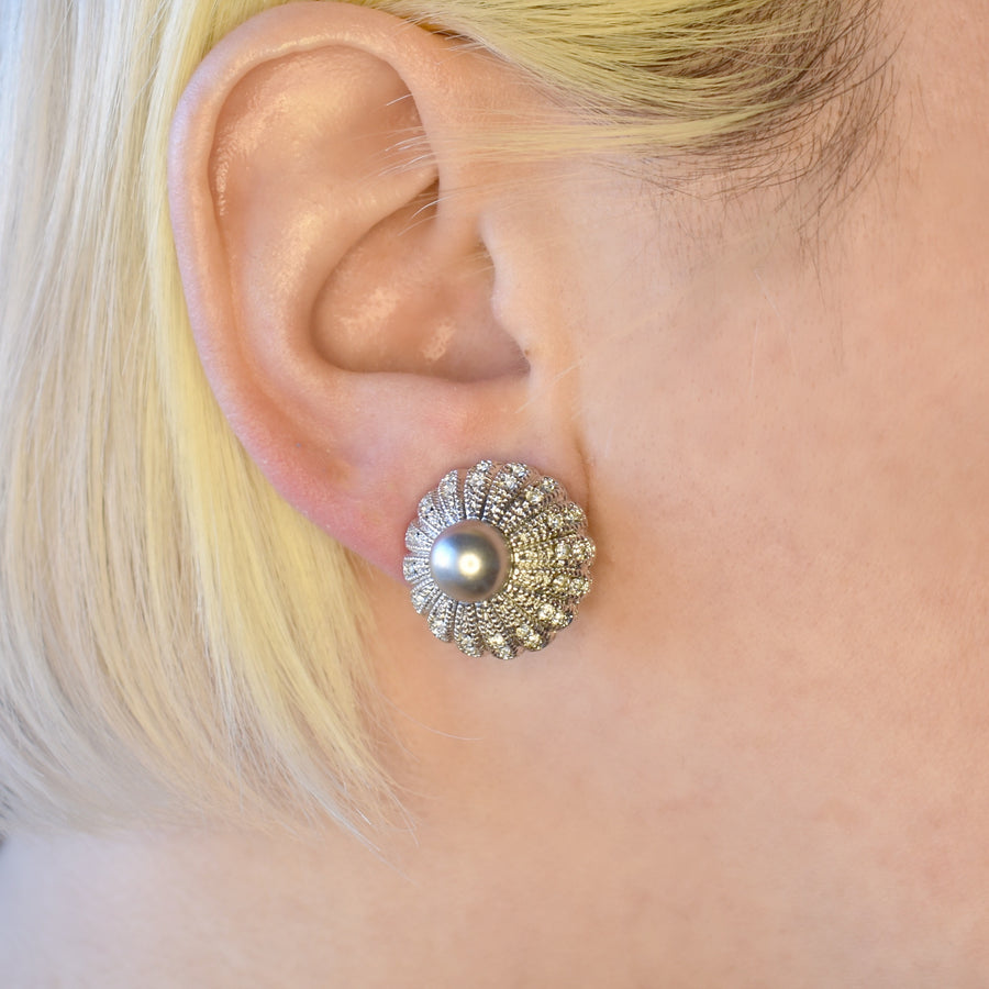 Mallorca Pearl Pierced Earrings | 8mm Gray pearl in gemstone dome setting | rhodium plated leverback closure | 1 Pair