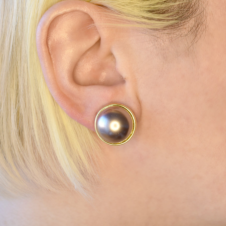 Mallorca Pearl Pierced Earrings | 16mm purple gray pearl | gold plated leverback closures | 1 Pair