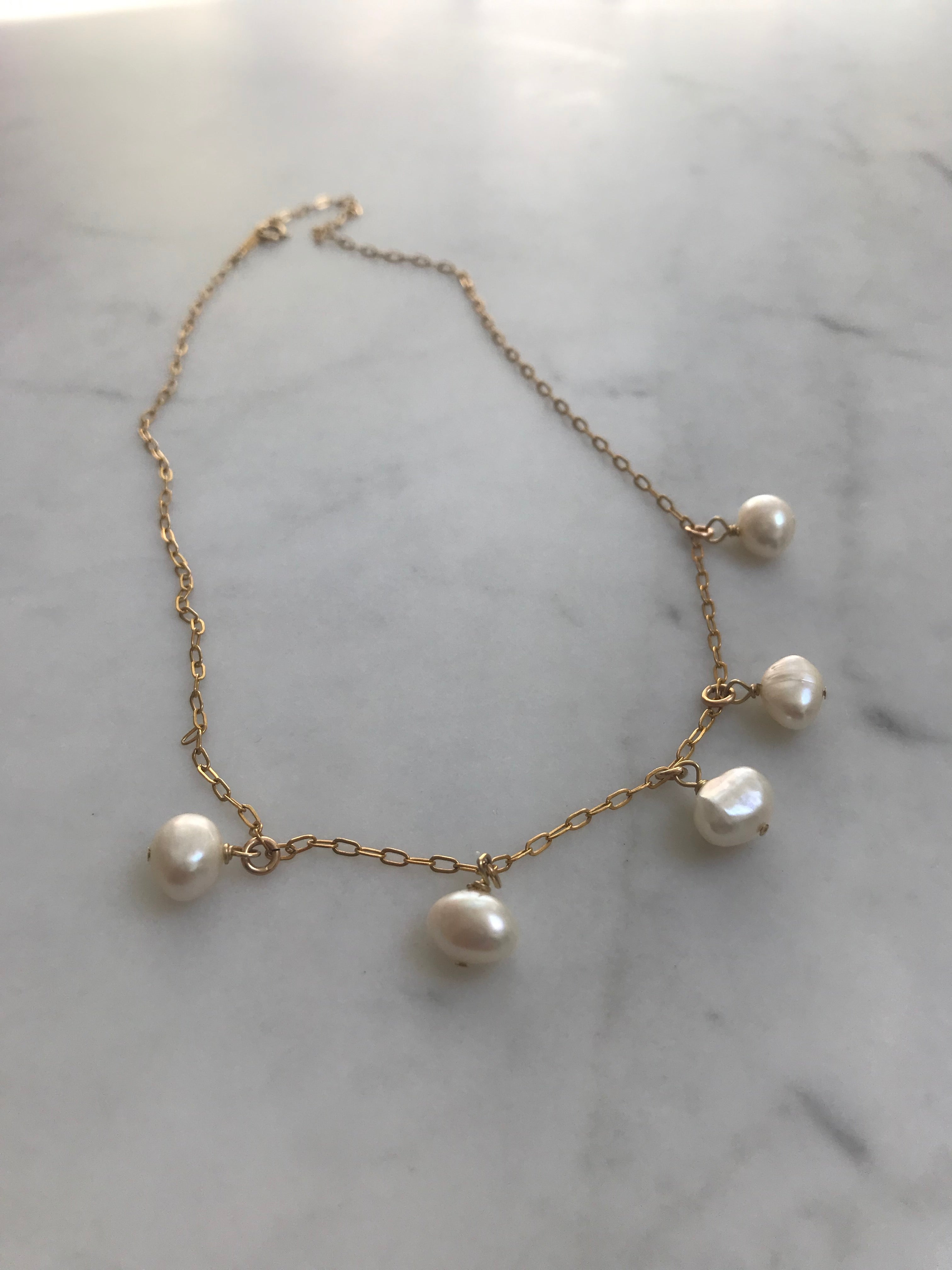 Perlas Necklace