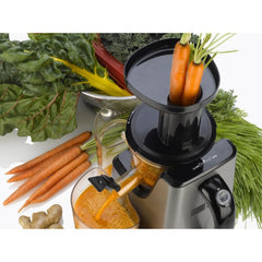 Fagor Platino Slow Juicer in Action