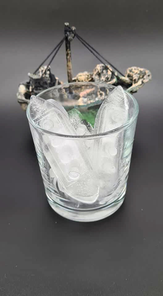 Wreck Ice Cubes (set of 2 pieces)