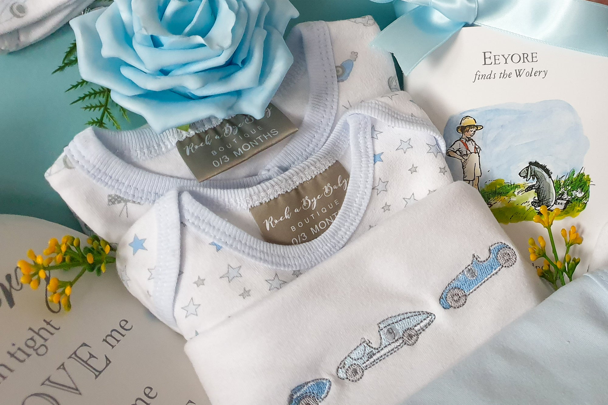 CARS And STARS Deluxe Baby Hamper, Sleepsuit, Two Bodysuits, Hat, Nursery Plaque, New Mum Hamper, Baby Shower Gift, Keepsake Gift Box