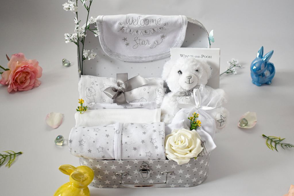DELUXE LITTLE STAR White Unisex Baby Hamper