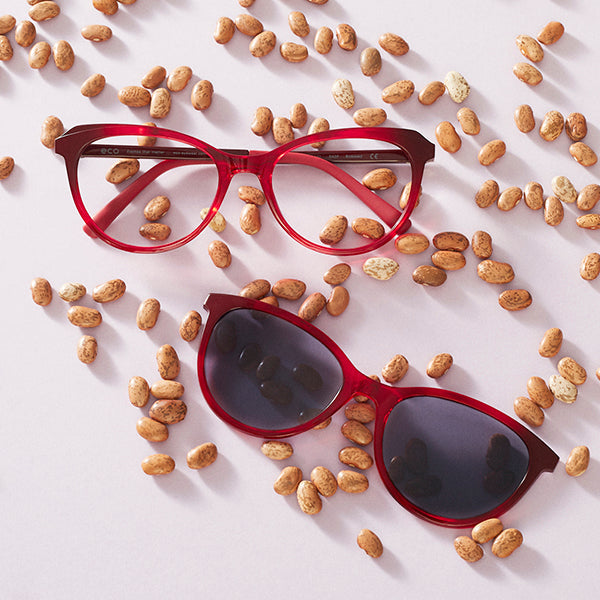 Our biobased frames are crafted using castor seed oil, making them lightweight, comfortable – and sustainable.