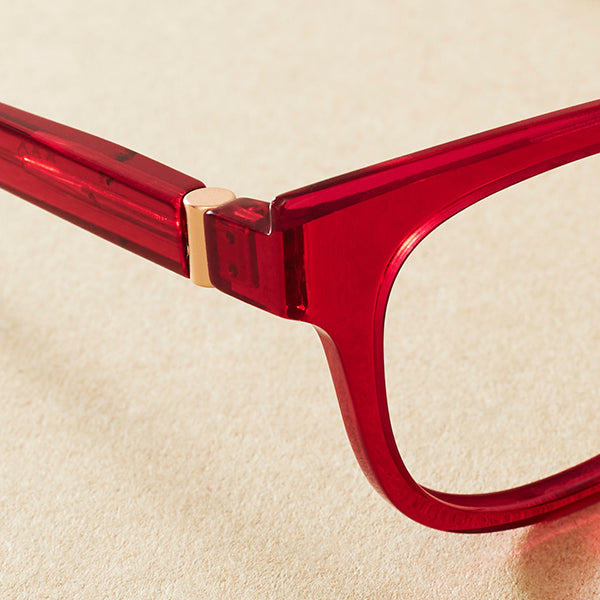 Made from natural cotton and wood pulp with the same look and feel of normal acetate, but phthalate-free!