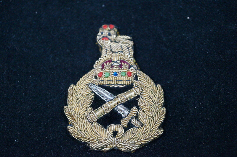 WW2 Canadian British Generals Bullion Peak Cap Badge