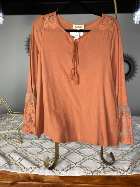 Canby Lace sleeve top- Rust